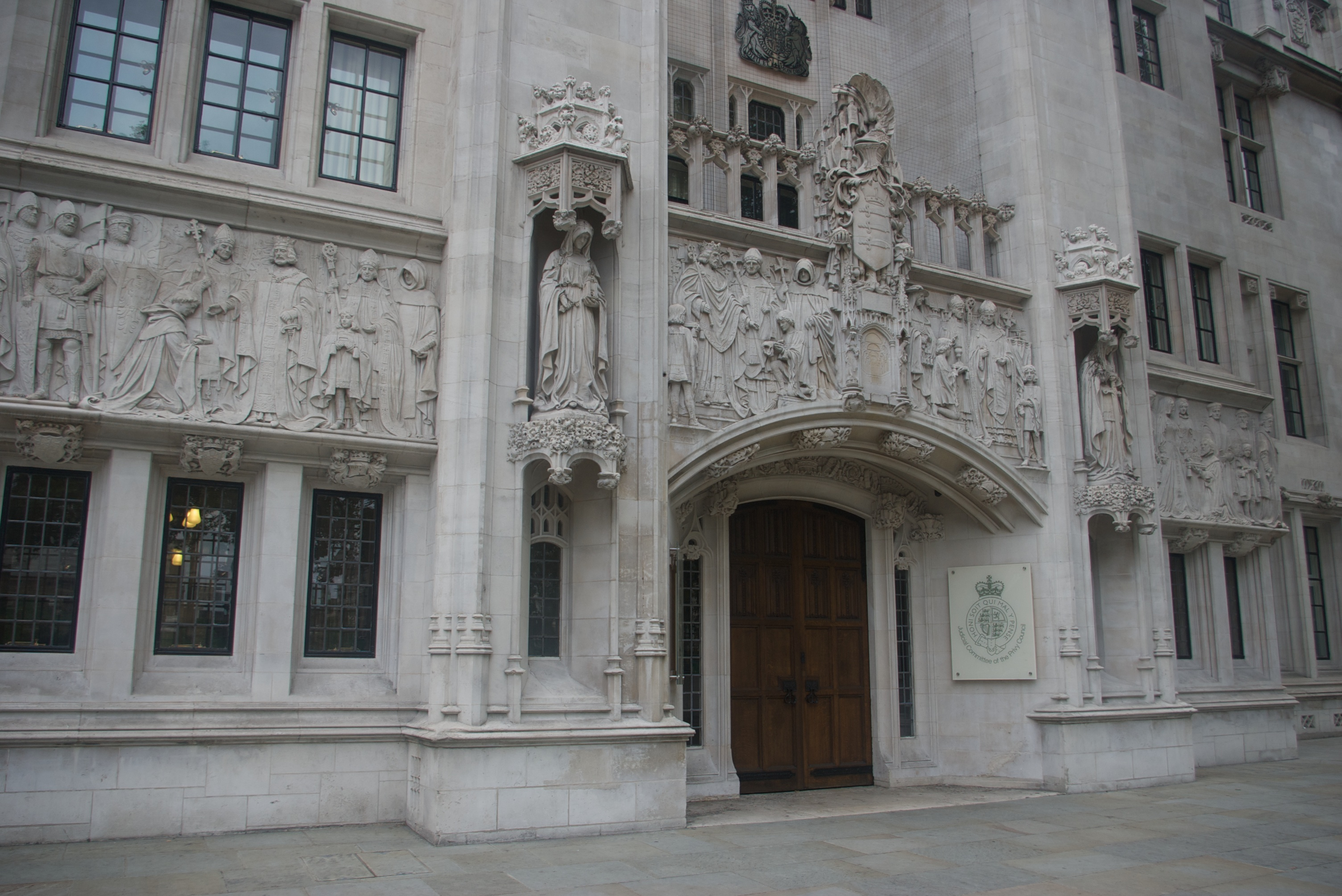 agi_cms/public/news/uk_supreme_court.jpg